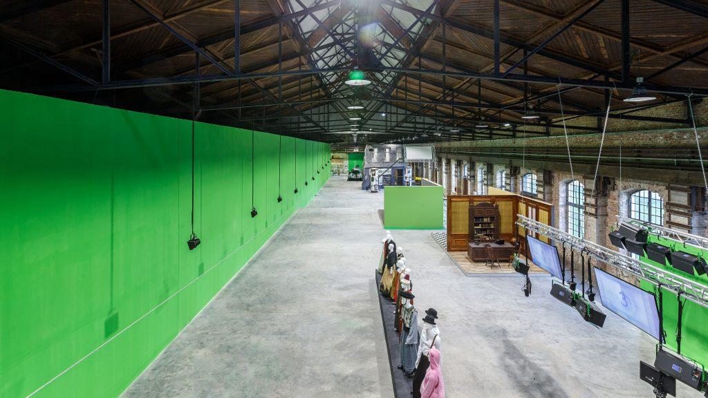 Kiállítótér és green screen a Nemzeti Filmtörténeti Élménypark csarnokában