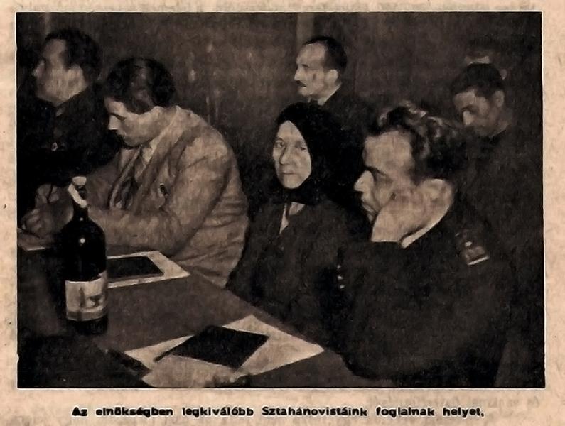 Sztahanovista értekezleten - Damjanich János Múzeum -, CC BY-NC-ND