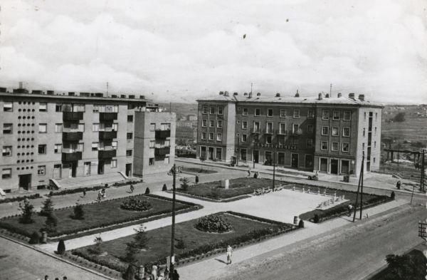 Komlói látkép - Csorba Győző Könyvtár - Pécs, CC BY-NC