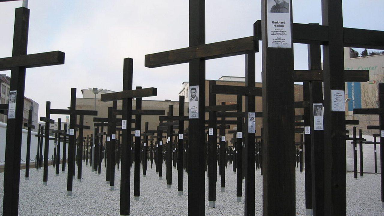 A fal 1989. november 9-ig osztotta ketté a várost