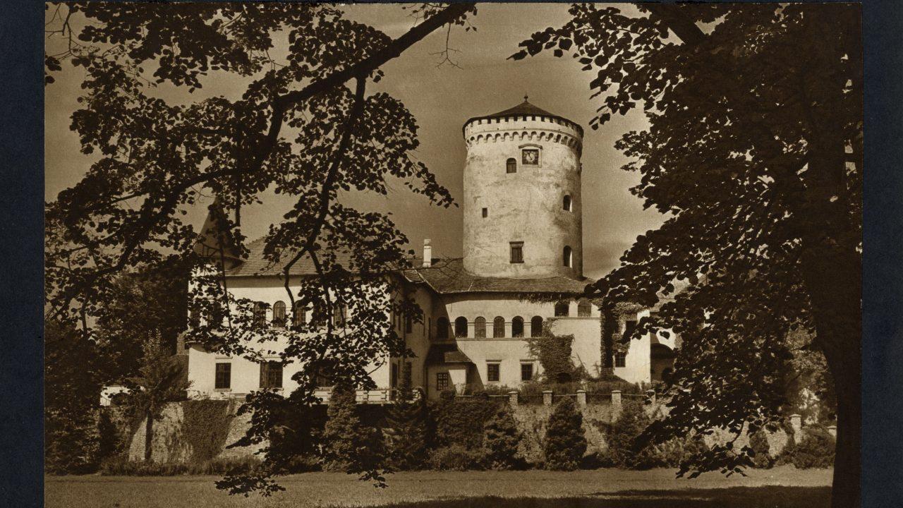 A Csákyak büszke várából drótostótok múzeuma lett