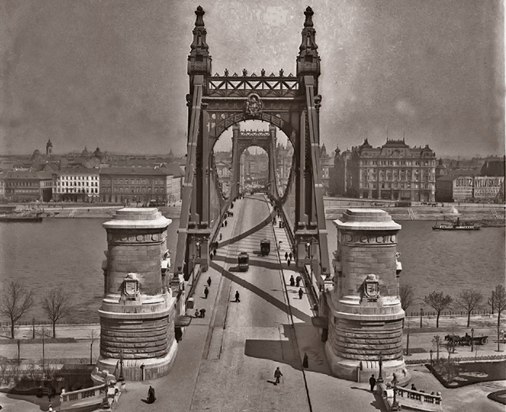 Budapest látképe az Erzsébet-híddal - Kuny Domokos Múzeum, CC BY