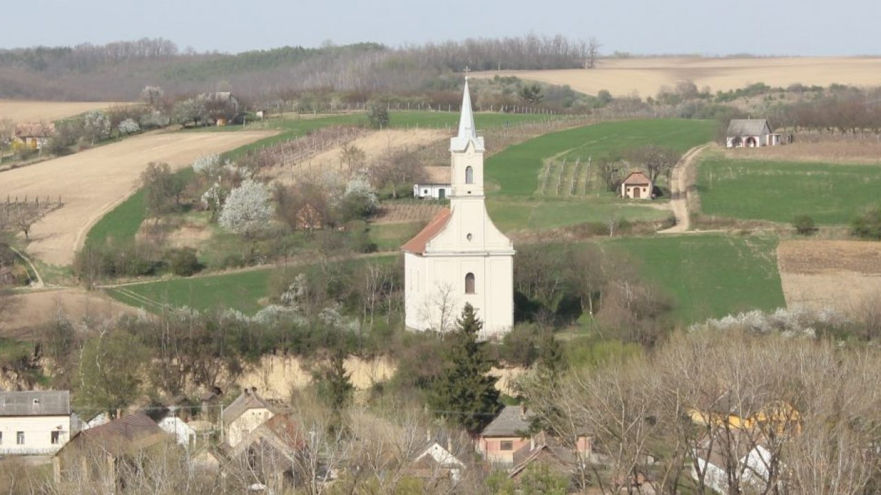 Árpád-kori templom, amit a hívek bontottak el