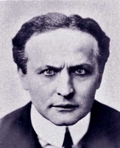 Henry Houdini - Hálózat a Színházért Alapítvány - CC BY-NC-ND
