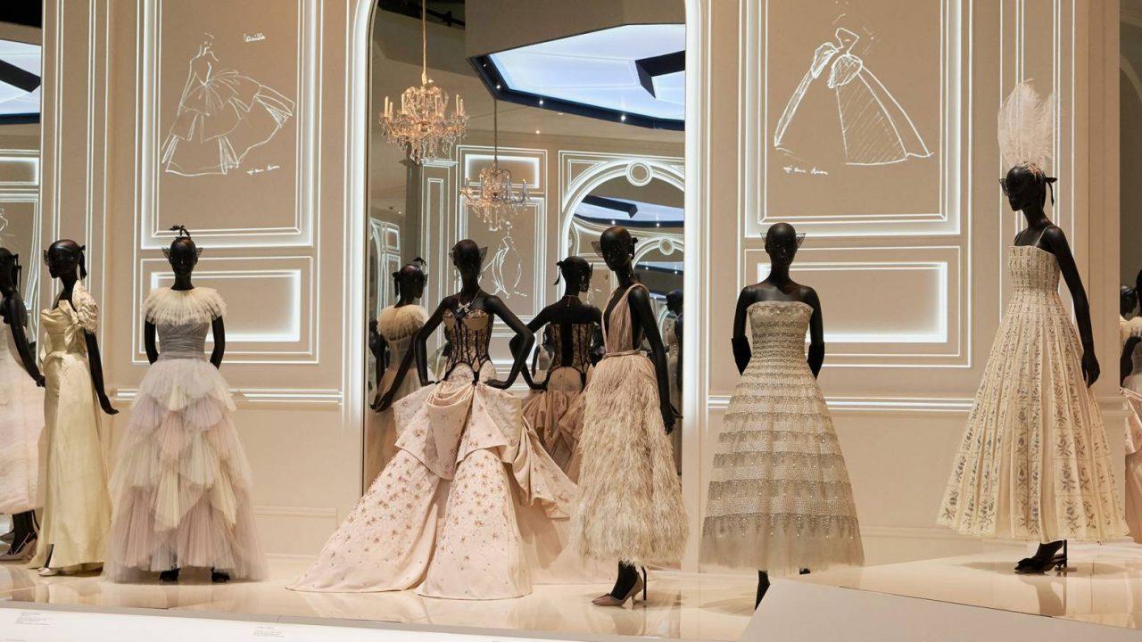 Félmillióan a londoni Dior-kiállításon
