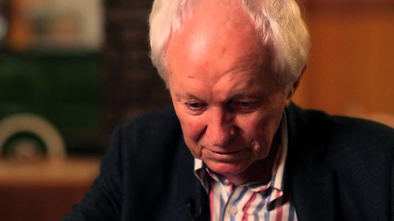 Életéről mesélt a 85 éves költő
