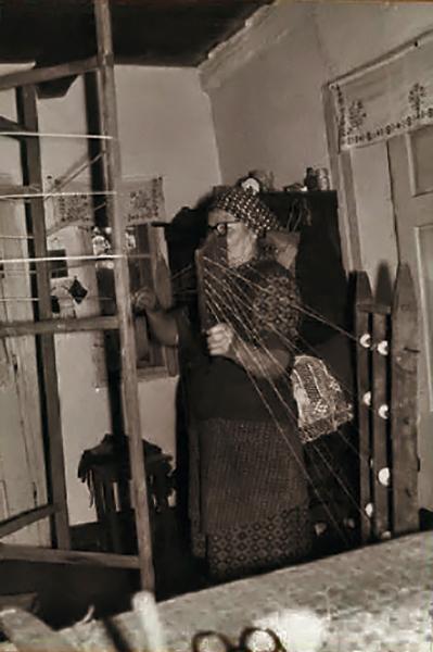 Felvetés a forgóra - A kender feldolgozása Szuhafőn - Gömöri Múzeum; Putnok, CC BY-NC-ND
