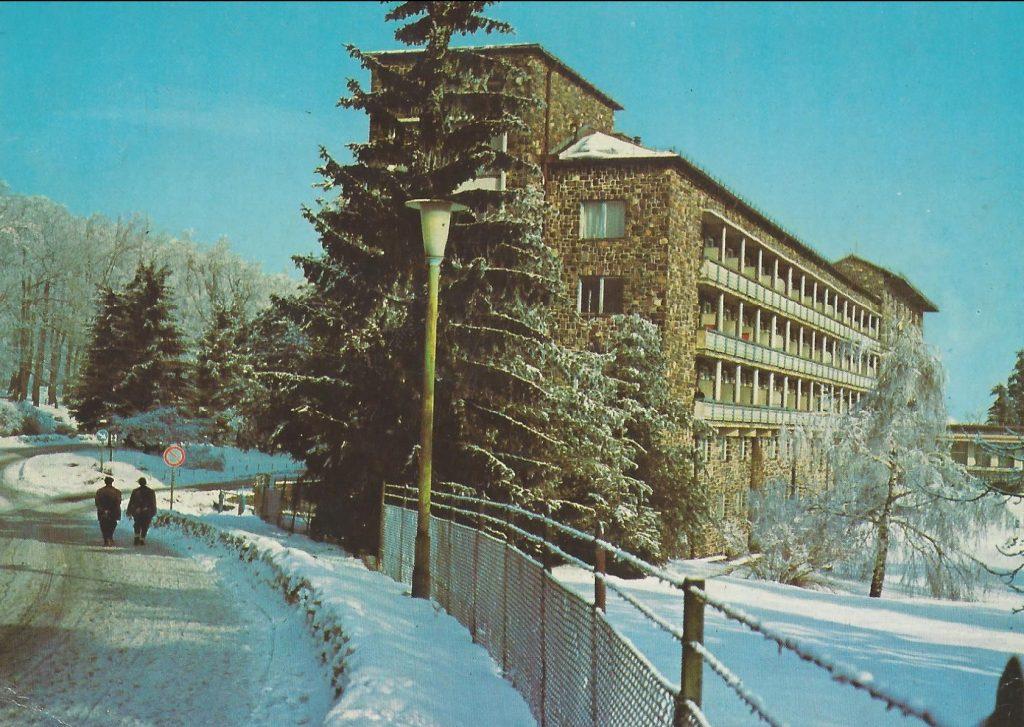 SZOT Üdülőszálló (Téli kép), Galyatető - képeslap - MKVM CC BY-NC-ND