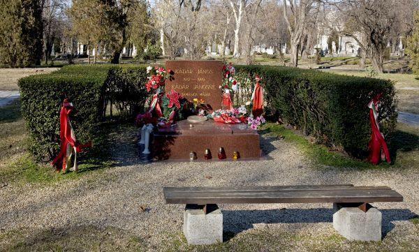 Fiumei úti Nemzeti Sírkert – Kádár János sírja - Magyar Nemzeti Digitális Archívum és Filmintézet, CC BY-NC-ND
