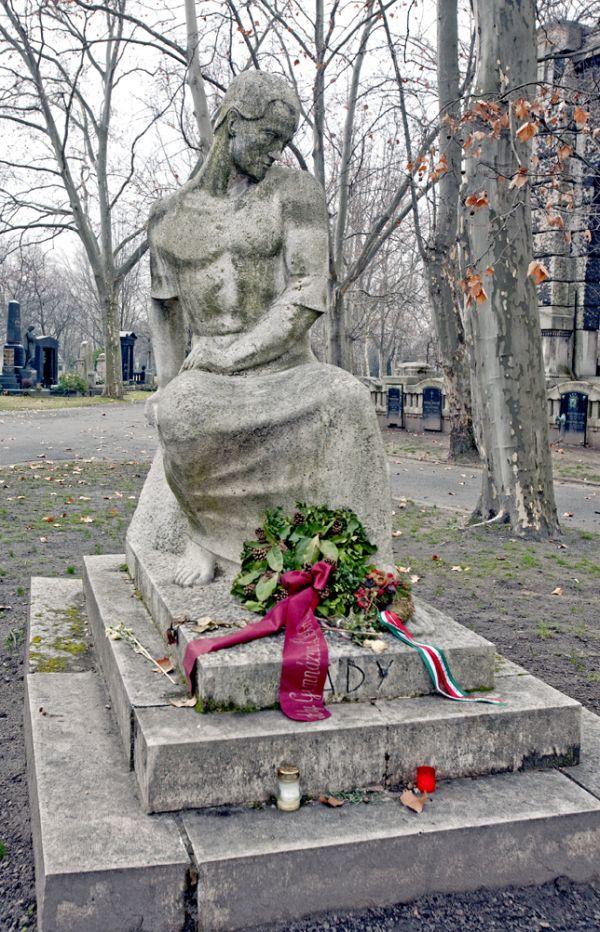 Fiumei úti Nemzeti Sírkert – Ady Endre síremléke - Magyar Nemzeti Digitális Archívum és Filmintézet, CC BY-NC-ND