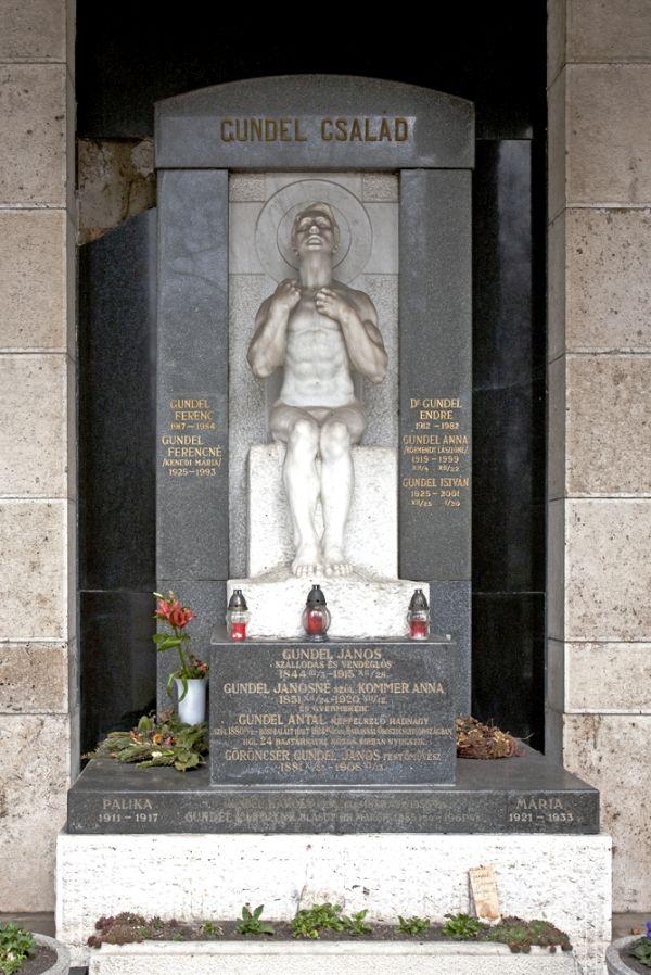Fiumei úti Nemzeti Sírkert – A Gundel-család síremléke - Magyar Nemzeti Digitális Archívum és Filmintézet, CC BY-NC-ND
