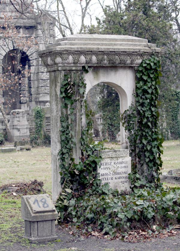 Fiumei úti Nemzeti Sírkert –  Klösz György síremléke - Magyar Nemzeti Digitális Archívum és Filmintézet, CC BY-NC-ND