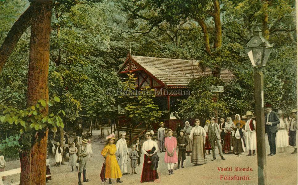Várakozás a vasútállomáson 1914-ben - Terleczky József, CC BY-NC-ND