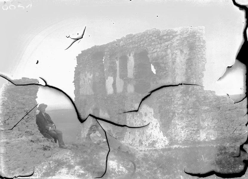 A rezi várrom képe üvegnegatívon 1908-ból - Balatoni Múzeum, CC BY-NC-ND