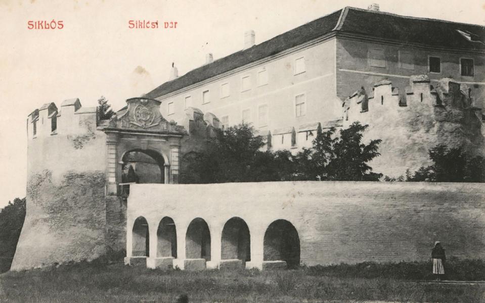 A siklósi vár a századelőn - Csorba Győző Könyvtár - Pécs, PDM