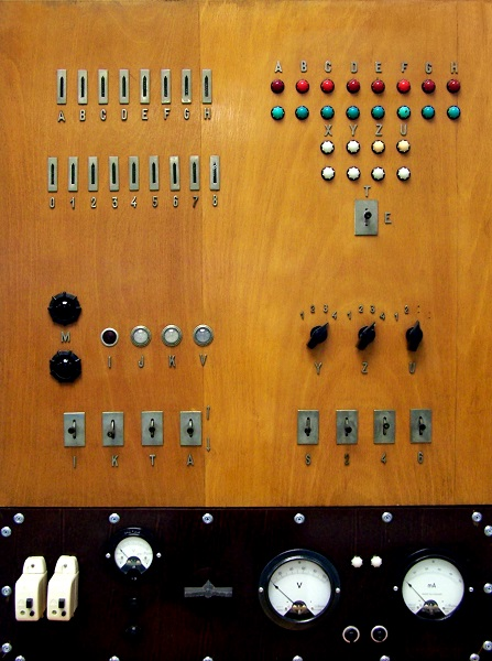 Kalmár-féle logikai gép - NJSZT, CC BY-NC-ND