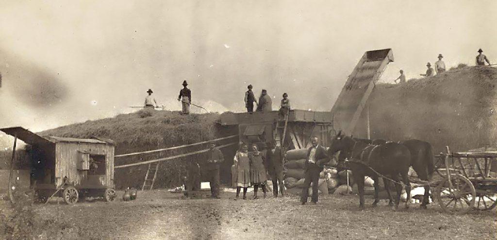 Cséplés 1923-ban - Gömöri Múzeum; Putnok, CC BY-NC-ND