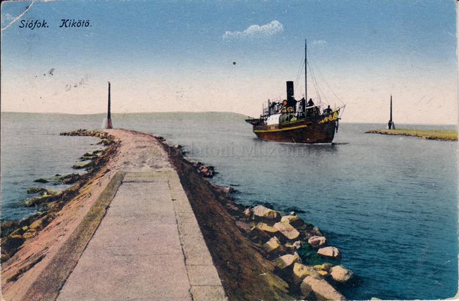 Kikötő Siófokon (1922) - Balatoni Múzeum, CC BY-NC-ND