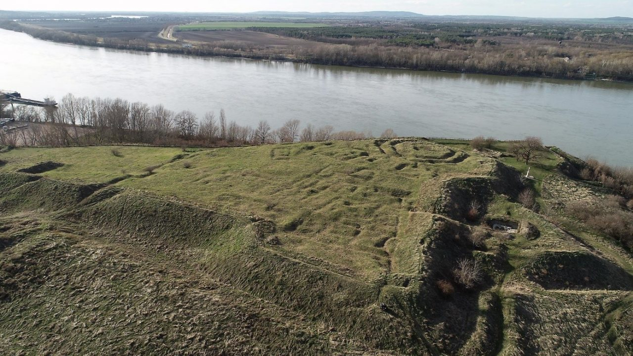 2018 ősze óta kutatják a nyergesújfalui Sánc-hegyet