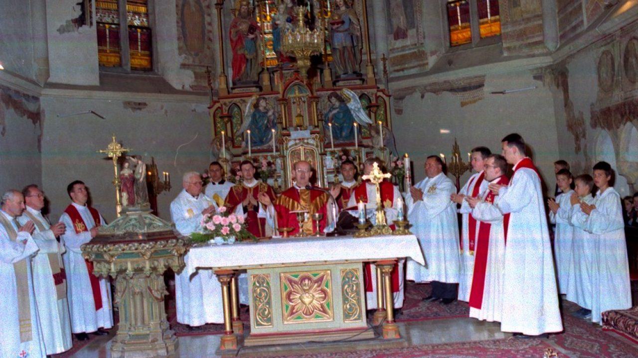 Járvány: napi négy misét mondhatnak a papok