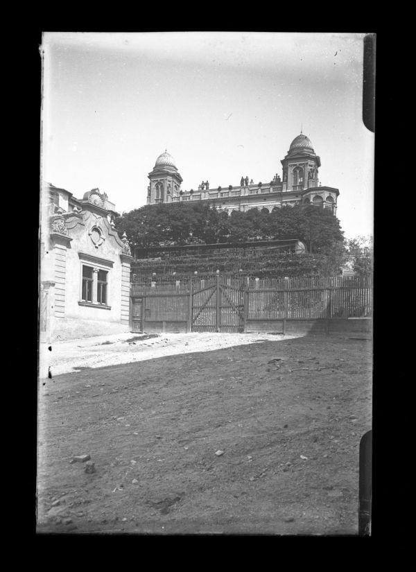 Gül Baba sírja és a Wagner-villa - Kuny Domokos Múzeum, CC BY