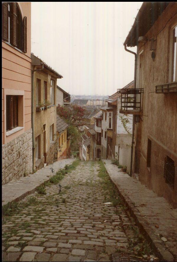 Óbuda, Gül Baba utca - Magyar Kereskedelmi és Vendéglátóipari Múzeum, CC BY-NC-ND