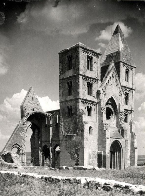 Révhelyi Elemér képei – Zsámbék - Kuny Domonkos Múzeum, CC BY