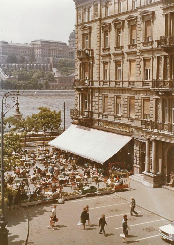 Dunacorso Bella Italia étterem, Budapest - MKVM, CC BY-NC-ND