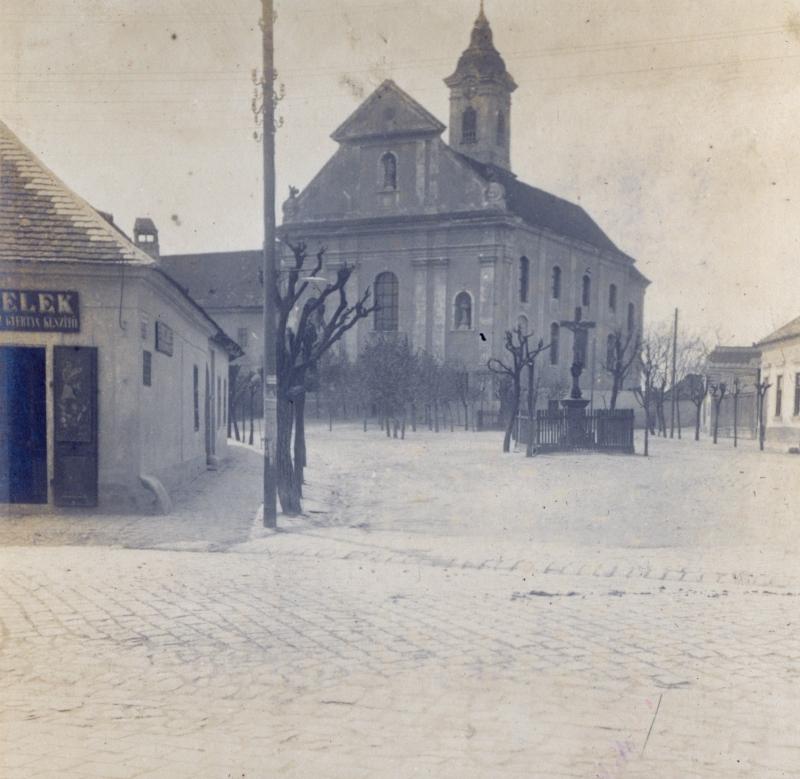 Vác - Ferencrendiek  temploma - Magyar Ferences Könyvtár, CC BY