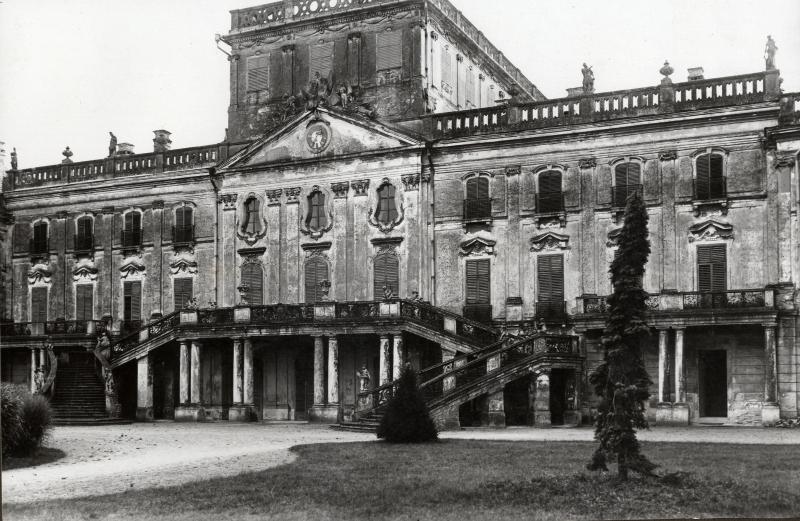 Révhelyi Elemér képei – Fertődi kastély és díszudvara - Kuny Domokos Múzeum, CC BY