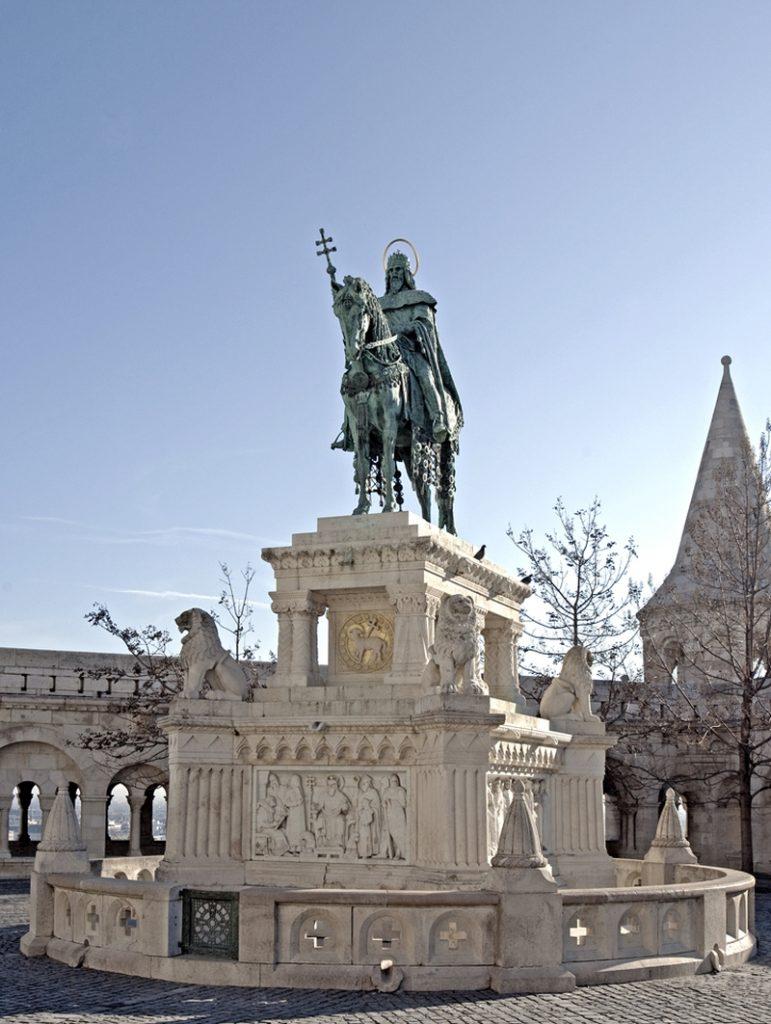 Szent István szobra a Halászbástyánál - Magyar Nemzeti Digitális Archívum és Filmintézet, CC BY-NC-ND
