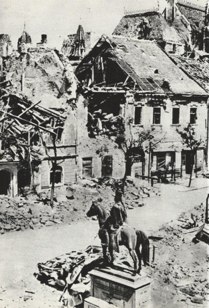 Ruszwurm ház romokban, fénykép - MKVM, CC BY-NC-ND