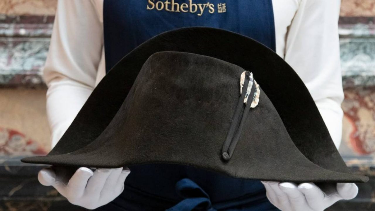 Eladó Napóleon egyik kalapja