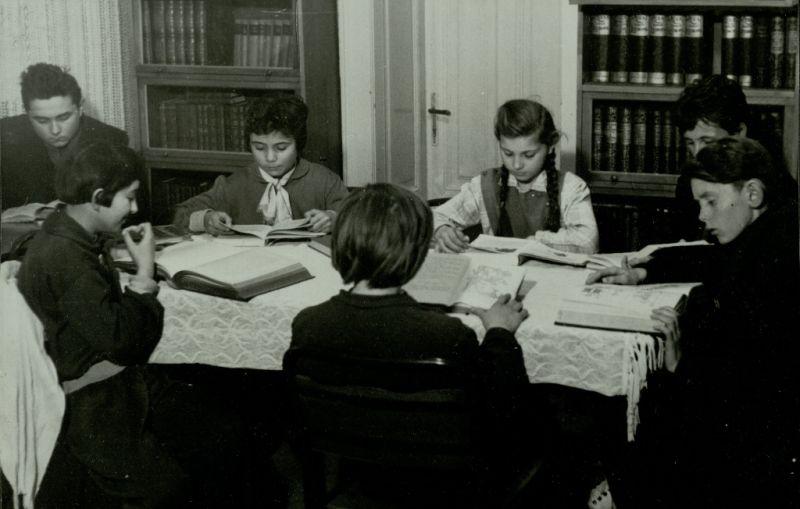 Tiszakürti Községi Könyvtár - Verseghy Ferenc Könyvtár, CC BY-ND